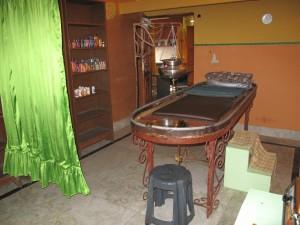 Ayurvedic Oil Massage Table
