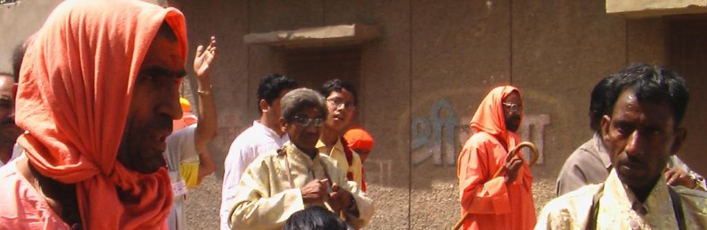 Sadhus in Vrindavan_pan