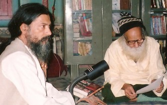 Babaji and Maharajji_pan