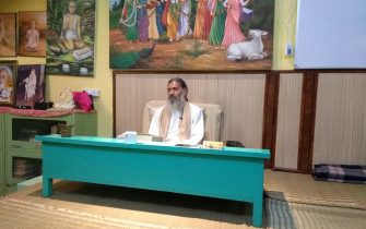 Babaji teaching Bhakti Tirtha